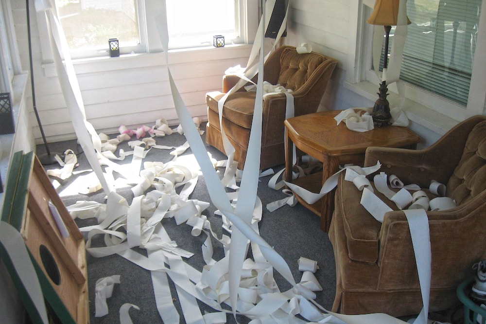 Is tenant vandalism covered by homeowners insurance?